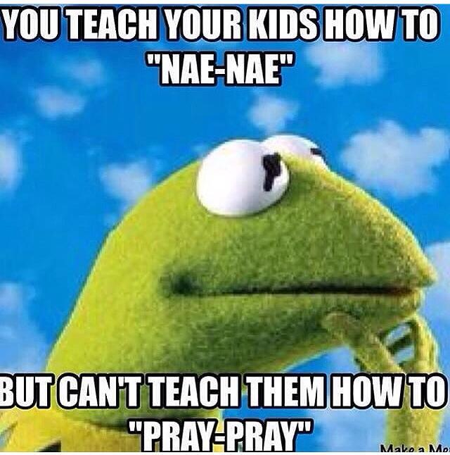 The Great Theologian Kermit The Frog 16 Hilarious Pictures