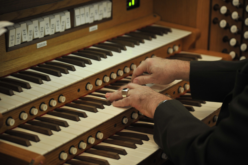 church-organist-stayin-alive
