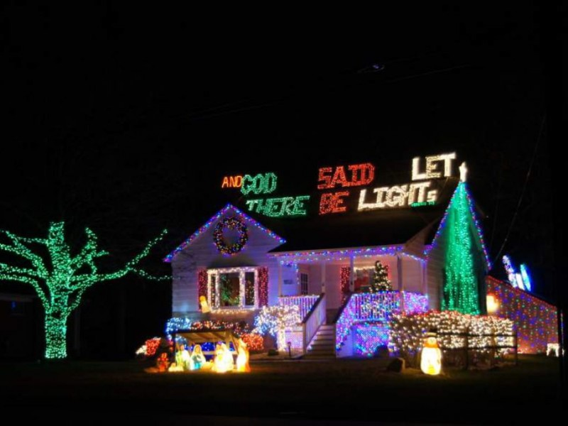 christmas-lights-funny-1 - And God Said Let There Be Light(s) [12 Distinctly Christian