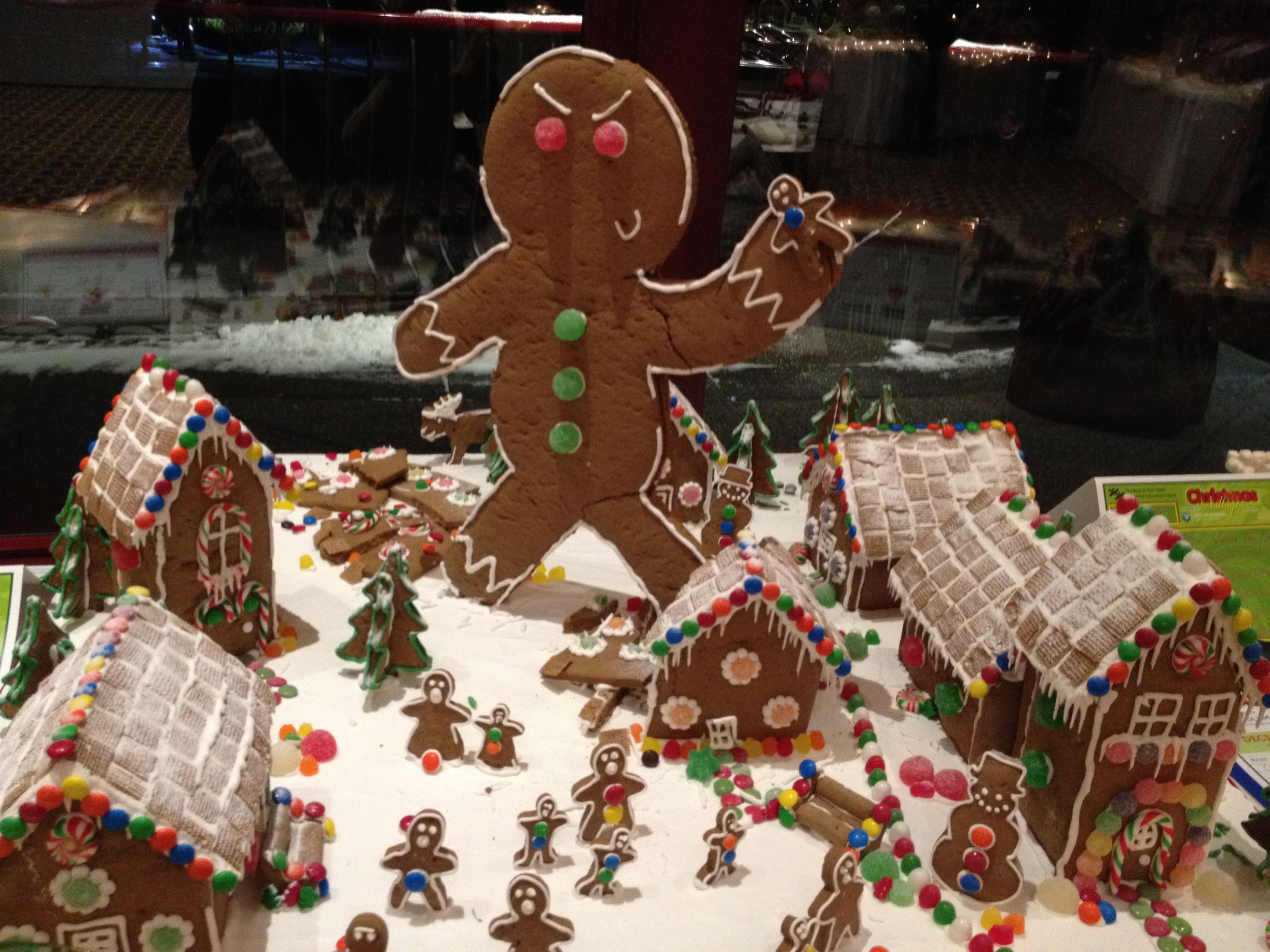 gingerbread-house-man-made-6